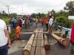 pdi-perjuangan-bantu-korban-banjir_20170131_134032.jpg