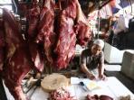 pedagang-daging-sapi_20150822_135106.jpg