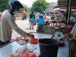 pedagang-di-pasar-tanjungpandan-rabu.jpg