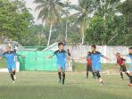 pemain-sepakbola-ps-belitung-timur-ketika-berlaga-di-liga-iii-nasional-tahun-2017_20180504_165058.jpg