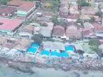 penampakan-dari-udara-pantai-kalianda-lampung-timur-seusai-diterjang-tsunami-minggu-23122018.jpg