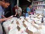 penjualan-beras-di-pasar-induk-beras-cipinang.jpg