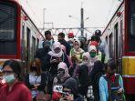penumpang-krl-commuter-line.jpg