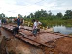 perbaikan-jembatan_20170123_221600.jpg