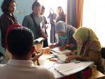 peserta-antusias-mendaftar-menjadi-peserta-karnval-di-kantor-dispora-kabupaten-belitung_20180828_155539.jpg