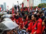 polisi-jaga-mahasiswa-demo.jpg