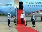 presiden-joko-widodo-turun-dari-pesawat.jpg