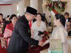 presiden-kelima-ri-megawati-soekarnoputri-dan-presiden-keenam-susilo-bambang-yudhoyono-bersalaman_20180726_150846.jpg