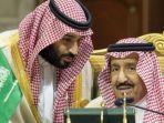 putra-mahkota-saudi-mohammed-bin-salman-kiri-berbicara-dengan-raja-arab-saudi-salman-bin-abdulaziz.jpg