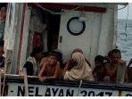 ratusan-warga-rohingya-yang-terombang-ambing.jpg