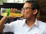 sandiaga-uno-saat-minum-infused-water_20180813_082838.jpg