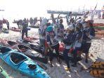 semangat-peserta-belitung-geopark-international-kayak-marathon-2018_20180728_113109.jpg