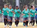 sepakbola-putri_20180816_212002.jpg