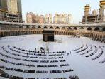 seratusan-jamaah-berkumpul-di-depan-kabah-masjidil-haram.jpg