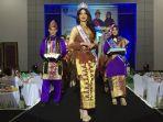 sonia-fergina-citra-putri-indonesia-2018-kenakan-pakaian-khas-tenun-cual-bangka-belitung_20180319_183833.jpg