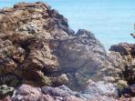 struktur-berbatuan-di-pantai-siantu_20160927_182150.jpg
