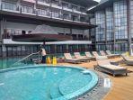 suasana-kolam-renang-fairfield-marriot-hotel-di-jalan-pattimura_20180423_141316.jpg