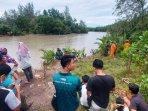 suasana-pencarian-korban-diterkam-buaya-di-sungai-manggar-kamis-142021.jpg