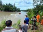 suasana-pencarian-korban-sudianto-diterkam-buaya-di-sungai-manggar-kamis-142021.jpg