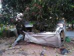 terjadi-kecelakaan-lalu-lintas_20180427_110709.jpg
