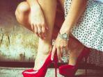wanita-pakai-sepatu-hak-tinggi_20170107_113524.jpg