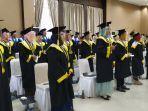 wisuda-diploma-iii-angkatan-ke-xiv-tahun-2020-amb-1.jpg<pf>wisuda-diploma-iii-angkatan-ke-xiv-tahun-2020-amb-2.jpg<pf>wisuda-diploma-iii-angkatan-ke-xiv-tahun-2020-amb.jpg