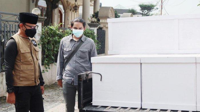 Cerita Pengusaha Mebel Banting Setir Jadi Pengrajin Peti Jenazah, Berharap Pandemi Segera Berlalu
