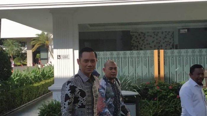 Pertemuan AHY dan Jokowi di Istana Kepresidenan, Pembicaraan 4 Mata-Plat Nomor Mobilnya Beri Isyarat