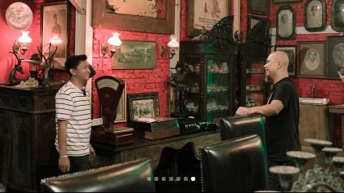 Ahmad Dhani Pamer Meja Kuno Peninggalan Majapahit, Denny Caknan Syok Tahu Harganya : 100 Tahun Lalu?