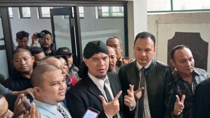 Ahmad Dhani Jalani Sidang Putusan, Mulan Jameela dan Abdul Qodir Jaelani Ikut Hadir