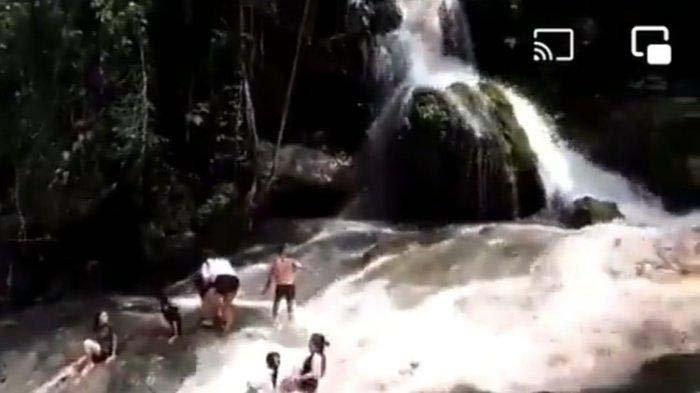 Viral Video Remaja Tersapu Banjir Bandang saat Santai di Air Terjun, Air Deras Tiba-tiba Datang