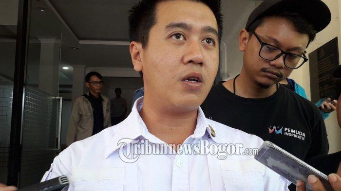 Kasat Narkoba Polres Bogor, AKP Andri Alam Wijaya saat pengungkapan kasus pabrik tembakau gorila di Mapolres Bogor, Selasa (10/3/2020).