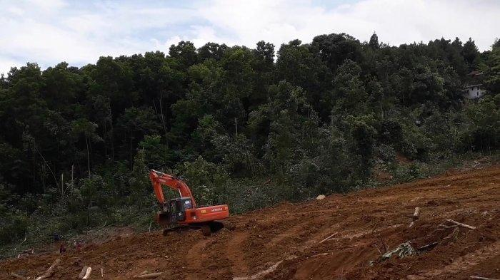 4 Vila Sudah Dibongkar, Aktifitas Alat Berat Sudah Mendekati Perbatasan Lahan Rocky Gerung