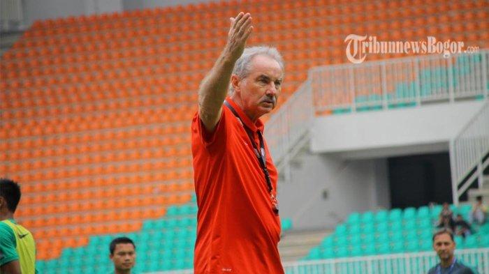 Alfred Riedl Mantan Pelatih Timnas Indonesia Meninggal karena Sakit Kanker