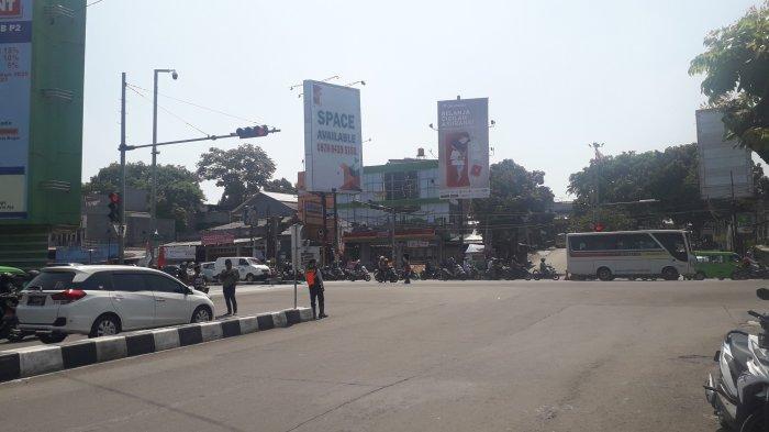 INFO Lalu Lintas - Kendaraan di Simpang Warung Jambu Ramai Lancar
