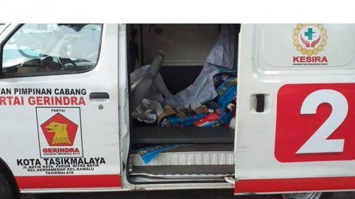 Foto Ambulans Berlogo Gerindra Berisi batu di Lokasi Demonstrasi, Ini Respon Fadli Zon