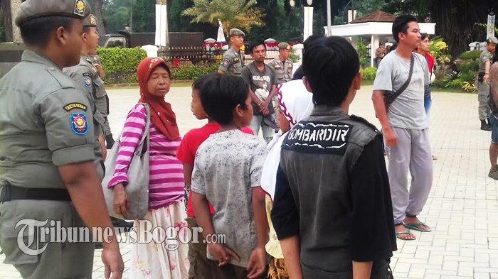 Cerita Pengamen Jalanan Di Kota Bogor, Kabur Dari Rumah dan Memilih Hidup Di Jalan