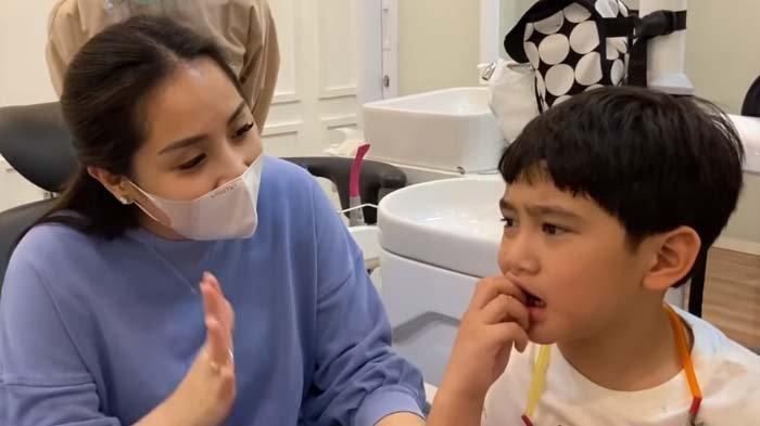 Anak Sultan, Cabut Gigi Saja Hadiahnya Harus Mewah, Rafathar Kena Omel Nagita : Jangan Seenaknya Ya