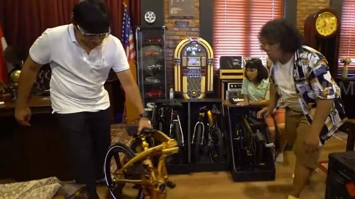 Andre Taulany tunjukkan sepeda sultan, cuma dimiliki olehnya dan Raffi Ahmad sebagai Sultan