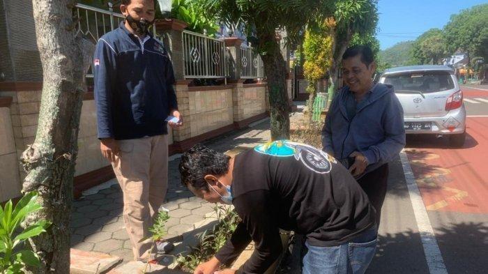 Heboh Uang Berceceran di Jalan Wonogiri, Pemiliknya Masih Misteri : Awalnya Terbungkus Sesuatu