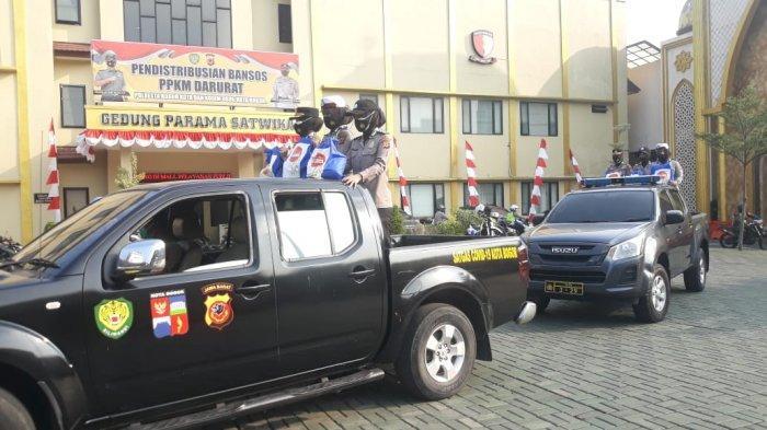 Bantu Warga Terdampak PPKM Darurat, Polresta Bogor Kota Bagikan Paket Sembako Setiap Hari