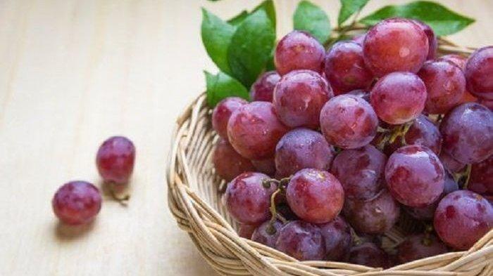 Mana Lebih Baik, Makan Anggur dengan Kulitnya atau Dikupas?