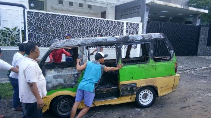 Habis Diperbaiki, Angkot di Bogor Terbakar saat Dinyalakan Sopir Panik