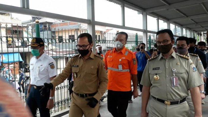 Anies Baswedan Ikut Antre di Stasiun Bogor, Bima Arya : Terima Kasih Pak Gubernur