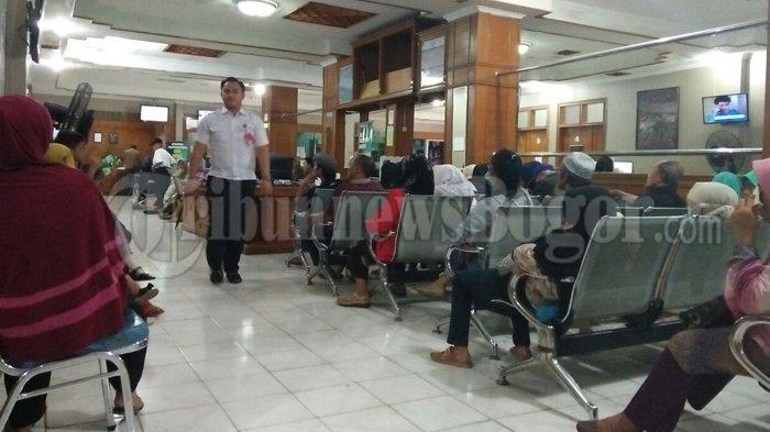 Antre Dari Pagi Di RSUD Kota Bogor, Pasien Penyakit Dalam Tak Juga Diperiksa Sampai Sore
