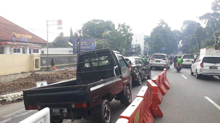 Ada Penyempitan Jalan Pembangunan Trotoar, Lalu Lintas Dari Empang Mengarah ke Balaikota Bogor Macet
