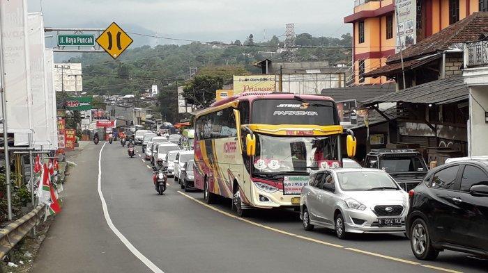 Info Lalin Puncak: Kendaraan Mengarah ke Jakarta Sore Ini Padat Merayap