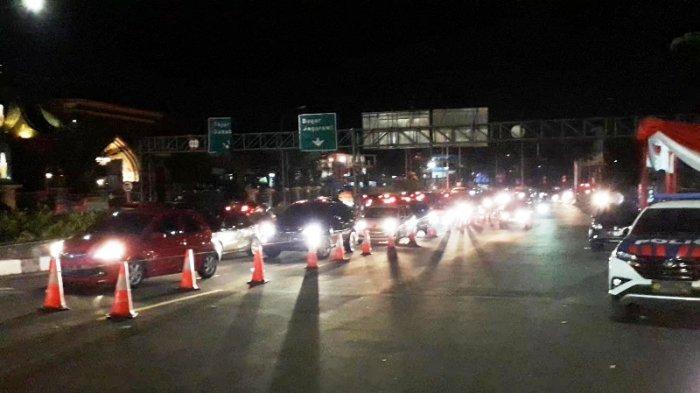 Penampakan Antrean Pengendara yang Diputar Balik di Puncak Bogor, Tembus 2 Ribu Kendaraan