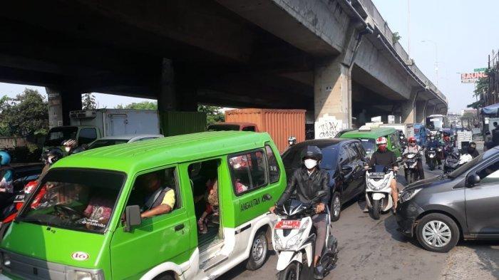 Kondisi Penyekatan di Perbatasan Kota Bogor, Kendaraan Mengular Panjang