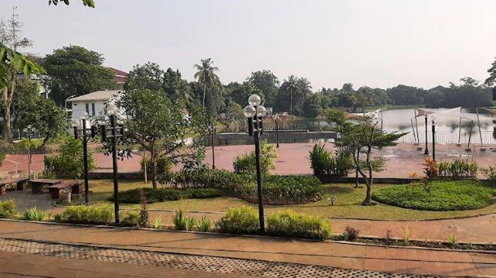 Suasana di Cibinong Situ Plaza Sepi Aktifitas Selama Pemberlakuan PPKM Level 4